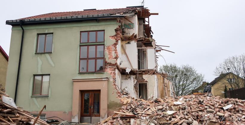 Co warto wiedzieć o rozbiórce budynku?