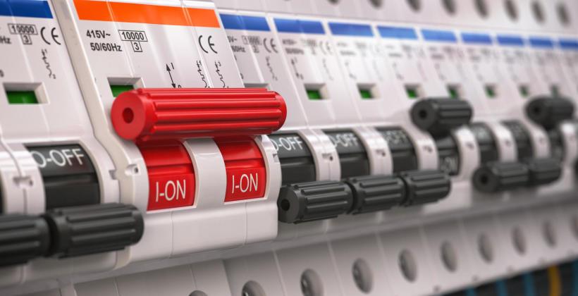 Co warto wiedzieć o domowych instalacjach elektrycznych?