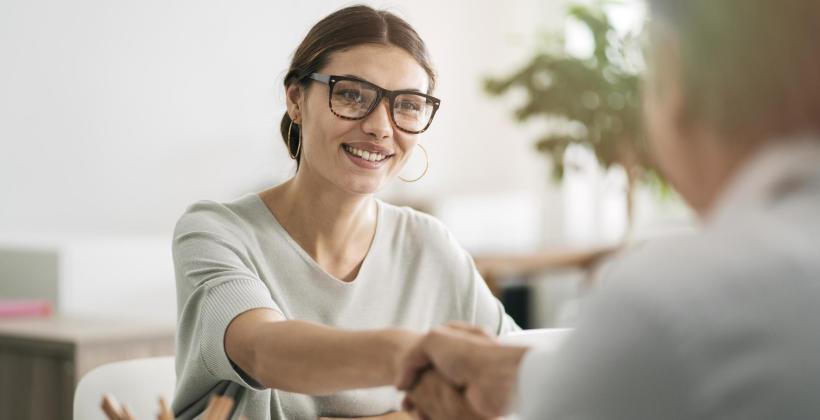 Dlaczego warto korzystać z usług pośrednika ubezpieczeniowego?
