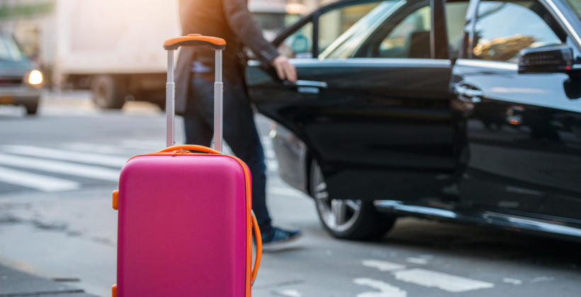Kiedy warto skorzystać z przewozów taksówkarskich?