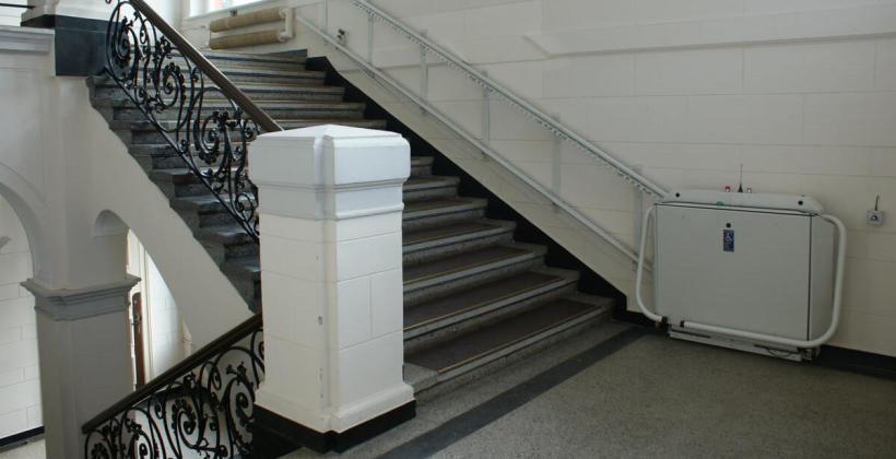 Udogodnienia dla osób niepełnosprawnych stosowane w budynkach