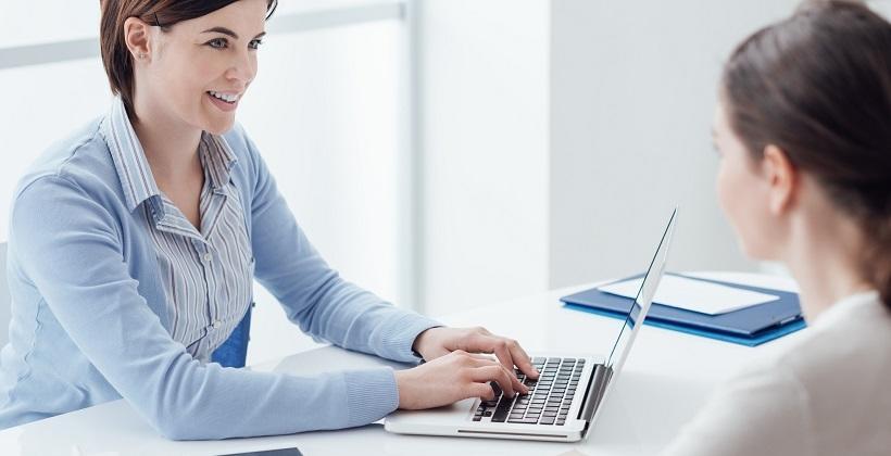 Dlaczego warto skorzystać z pomocy agencji pośrednictwa pracy?