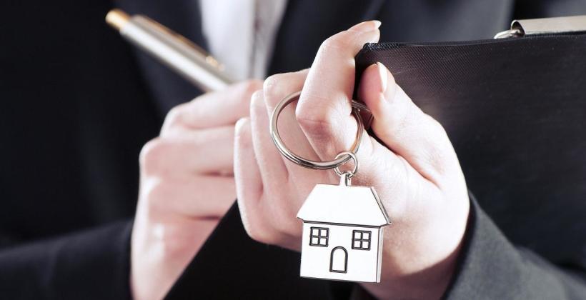 Kiedy warto korzystać z pomocy pośredników nieruchomości