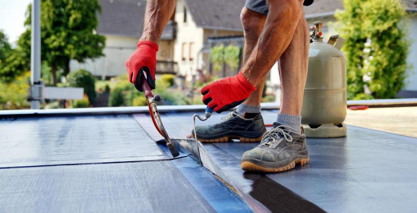 Hydroizolacja i izolacja w nowoczesnych systemach dachowych
