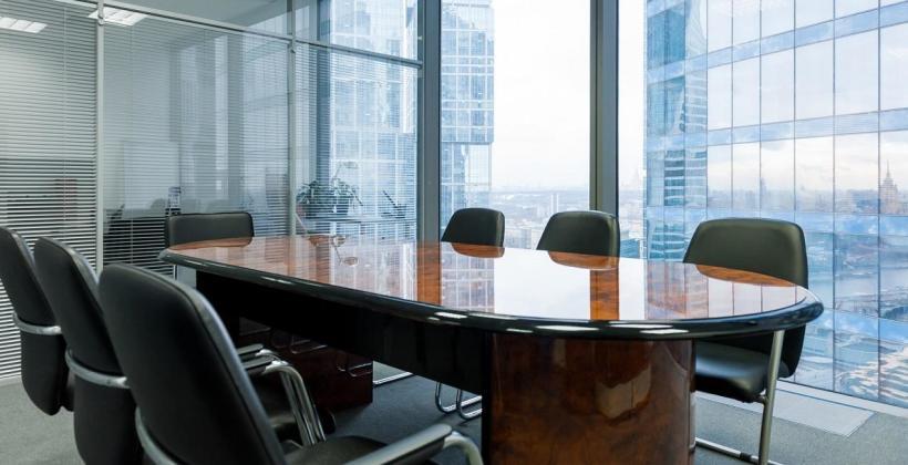 Kilka słów o stołach konferencyjnych. Ogólna charakterystyka