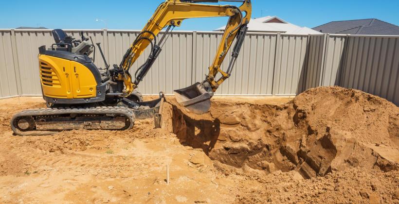 Wykonywanie wykopów pod fundamenty