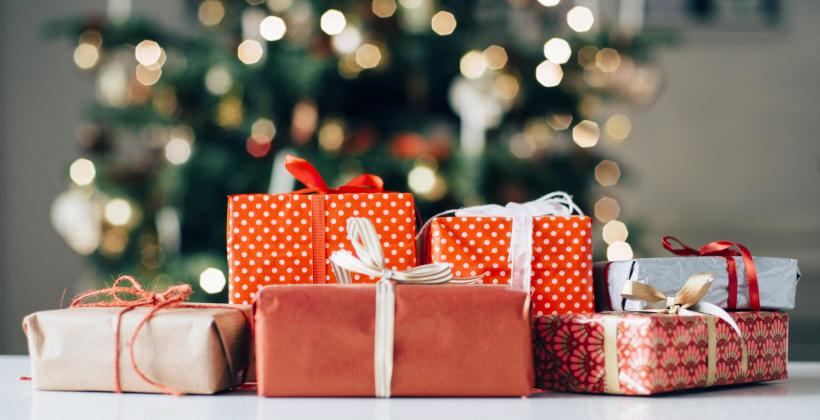 Co najczęściej kupujemy na prezent? Jakich upominków na Święta oczekujemy?