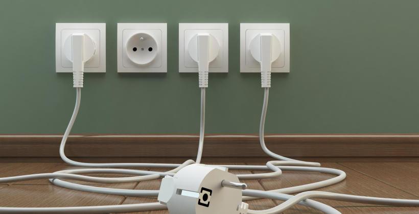 Nowoczesne sieci elektryczne – ile gniazd powinno znaleźć się w Twoim domu?