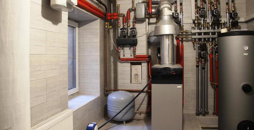 Rodzaje i zastosowanie pomp ciepła w budynkach mieszkalnych