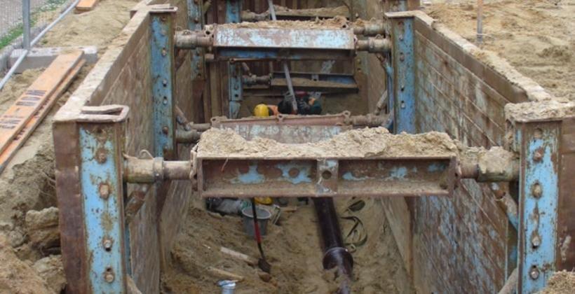 Prace ziemne związane z budową przepompowni i sieci wodno-kanalizacyjnych