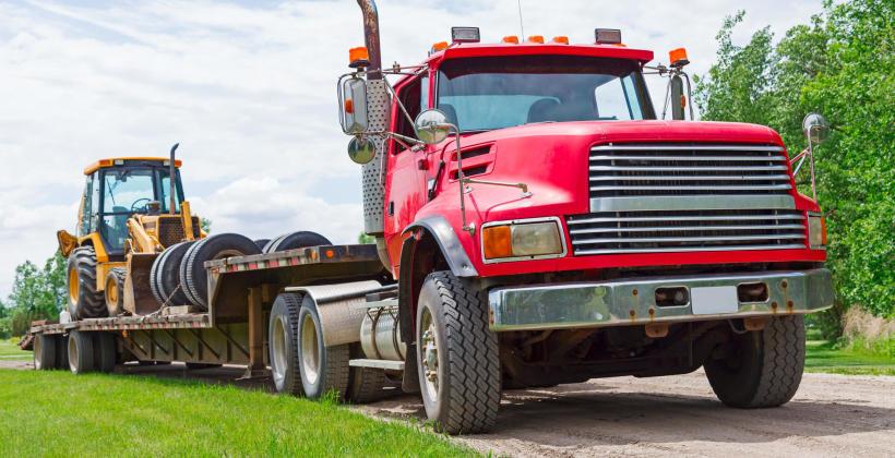 Usługi transportu maszyn rolniczych/budowlanych/dostawczych
