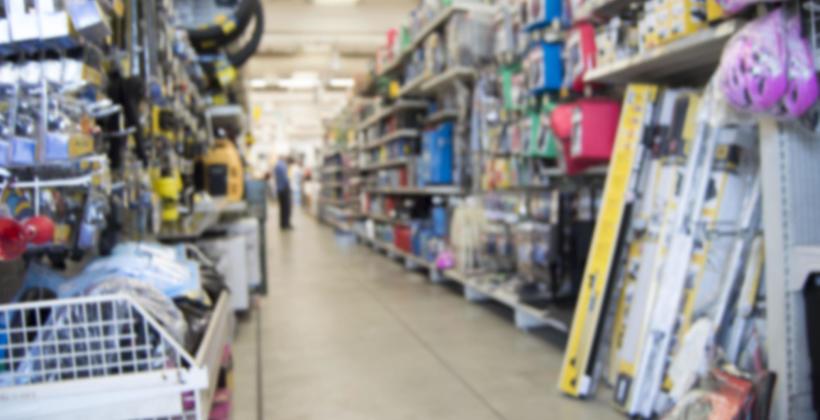 Hurtownia elektryczna online. Czy warto dokonywać zakupów przez internet?