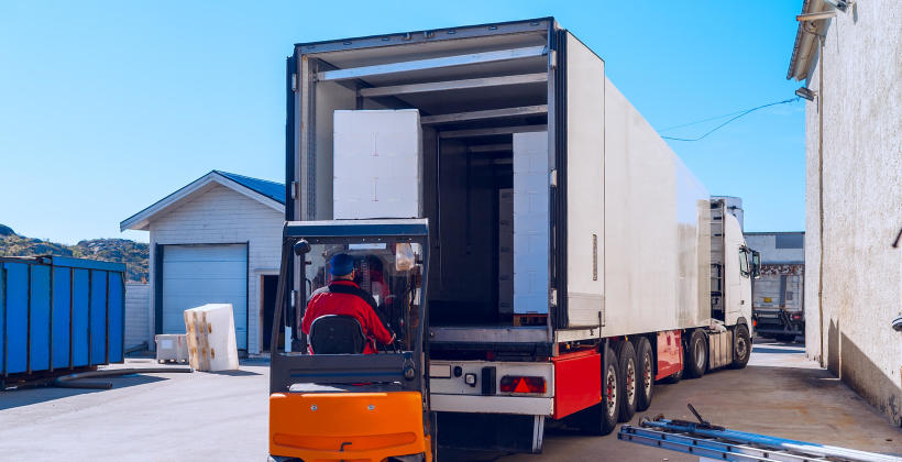 Jakie są zalety międzynarodowego transportu drogowego?