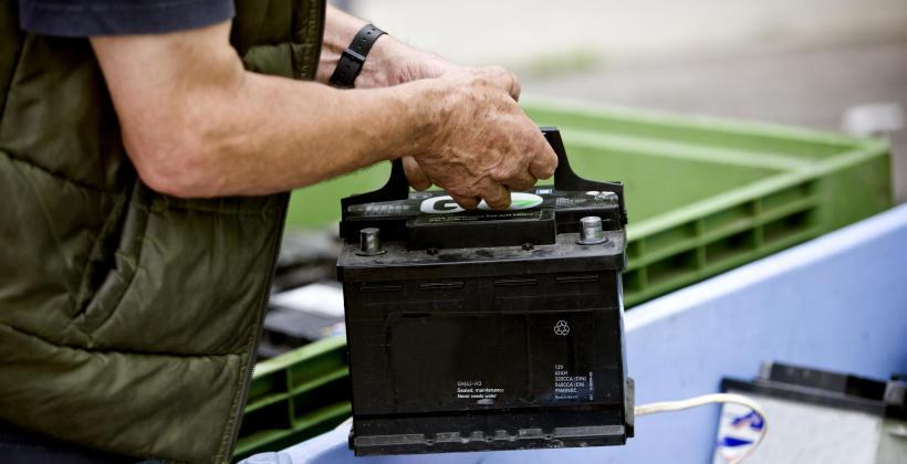 Utylizacja akumulatorów samochodowych – o co tyle zachodu?