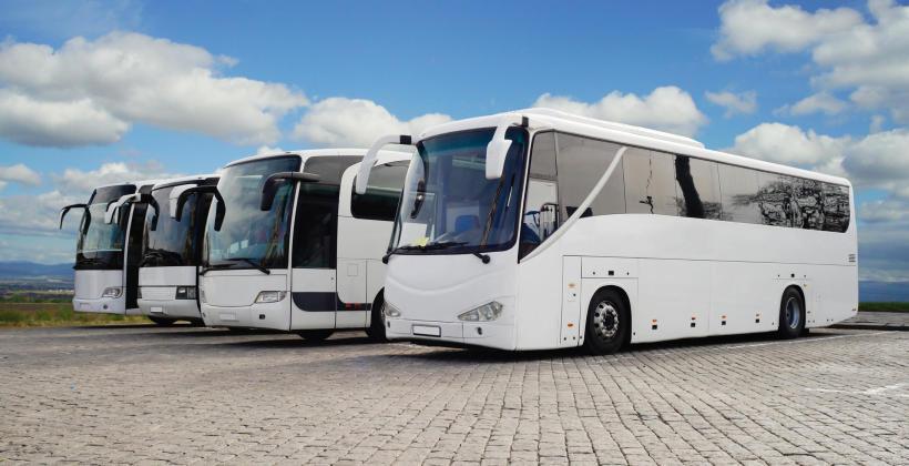 Charakterystyka i zalety transportu autokarowego door to door