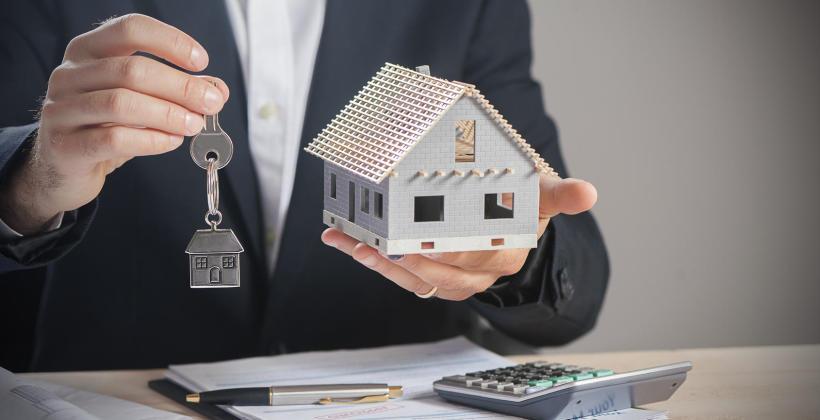 Jakie elementy bierze się pod uwagę, wykonując wycenę nieruchomości gruntowej
