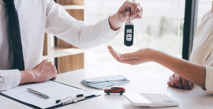 Koszt wynajmu auta. Od czego zależy?