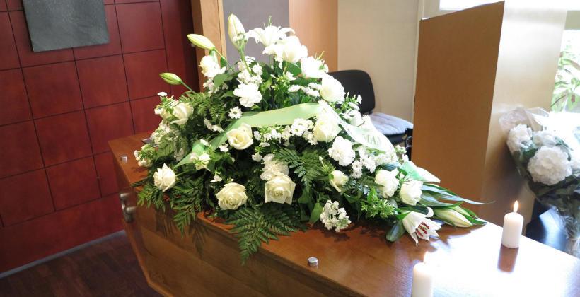 Jakie warunki prawne należy spełniać podczas ekshumacji zwłok?