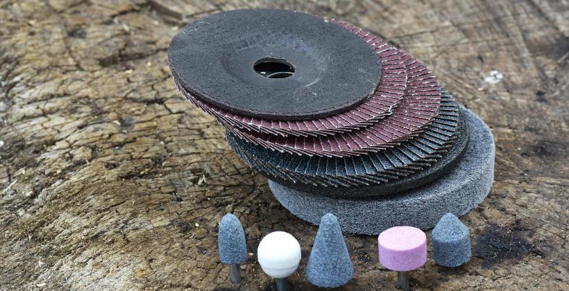 Szlifowanie na sucho szlifierką z tarczą diamentową