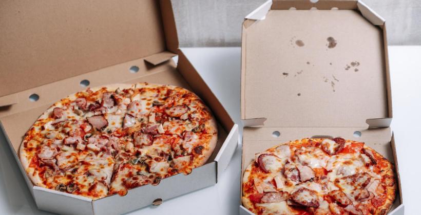 W jakich opakowaniach jest przechowywana pizza?