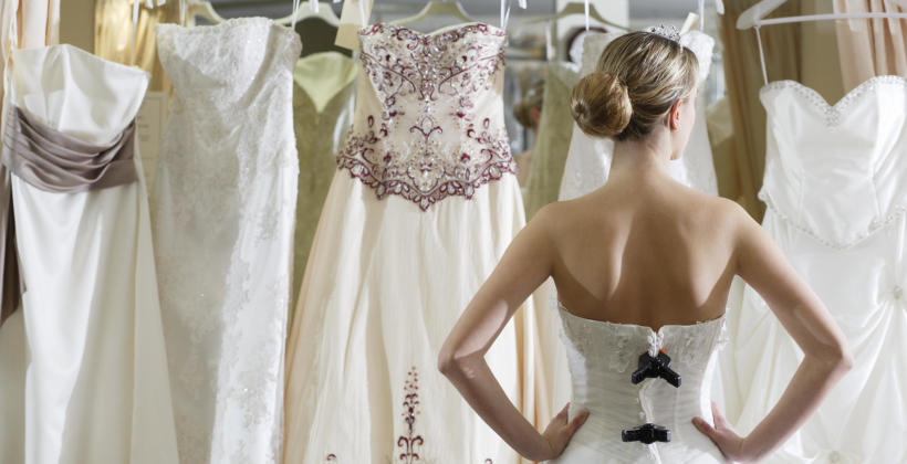 Jak dopasować kolor sukni ślubnej do karnacji Panny Młodej?