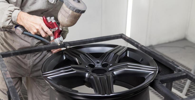 Dlaczego warto zdecydować się na lakierowanie proszkowe felg aluminiowych?