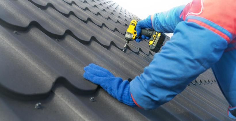 Na jakie rozwiązanie warto postawić podczas wymiany pokrycia dachowego?