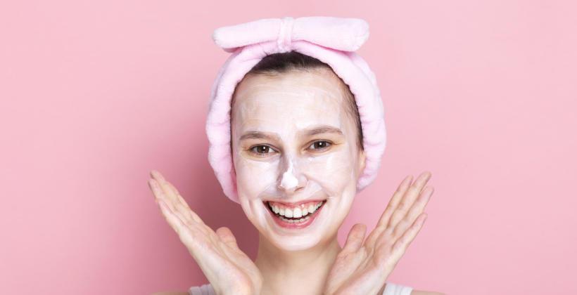 Zabiegi na twarz, czyli kosmetyczka na ratunek skórze
