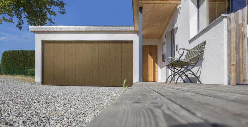 Najważniejsze zasady montażu bram garażowych i drzwi