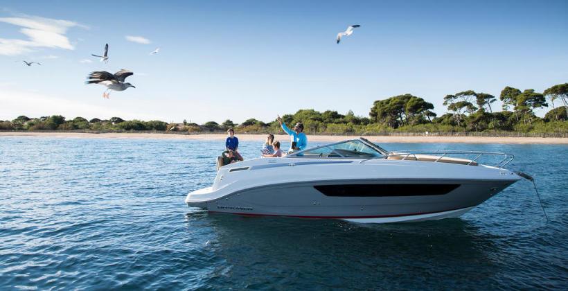 Czy warto mieć własny jacht motorowy?