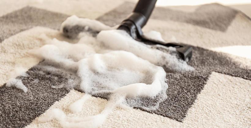 Korzyści związane z korzystaniem z usług firm zajmujących się praniem i czyszczeniem dywanów