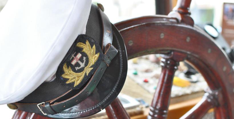 Krok po kroku – poradnik, jak spełnić marzenie o pracy na morzu