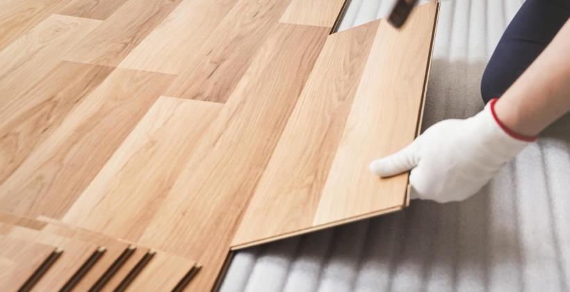 Jak wykończyć podłogi w mieszkaniu?