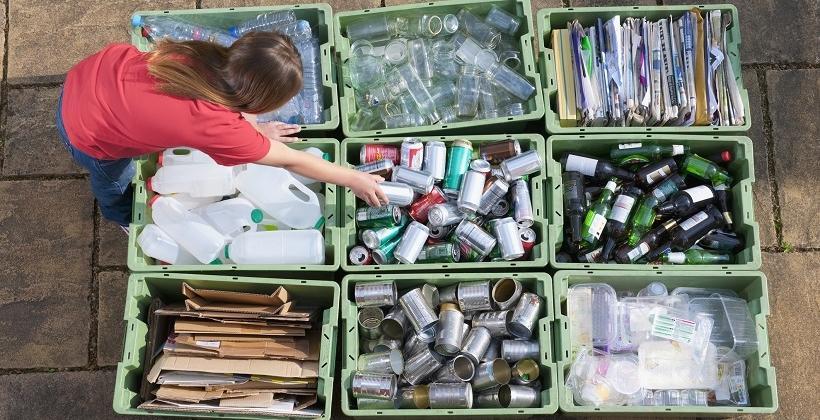 Na czym polega odzysk odpadów ciekłych i stałych?