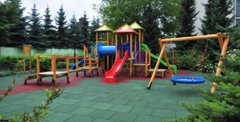 Дитячий майданчик - надзвичайно важливе місце