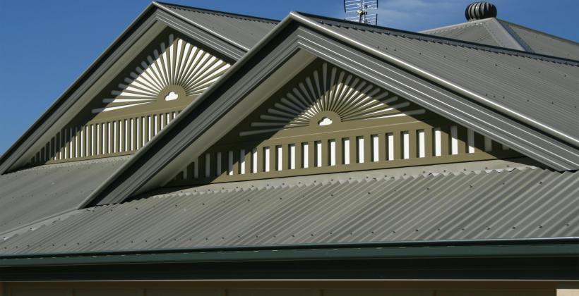 Obróbki blacharskie pokrycia dachowego - czym są?