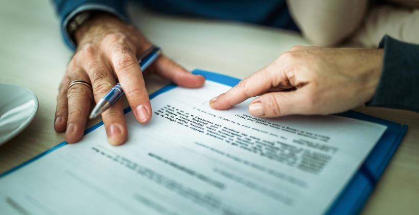 Na czym polega pomoc prawna dla oskarżonych w sprawach karnych?