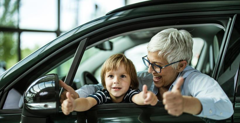 Dlaczego warto kupić używany samochód w komisie?