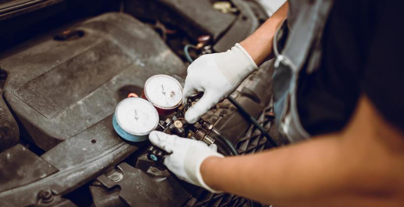 Klimatyzacja samochodowa nie schładza powietrza? Sprawdź, co może być tego przyczyną!