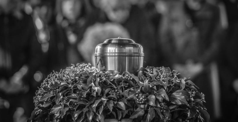 Kremacja, czyli alternatywny sposób pochówku zmarłych