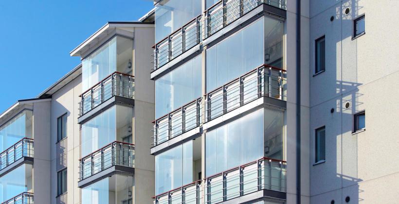 Dlaczego warto rozważyć zabudowę balkonu?