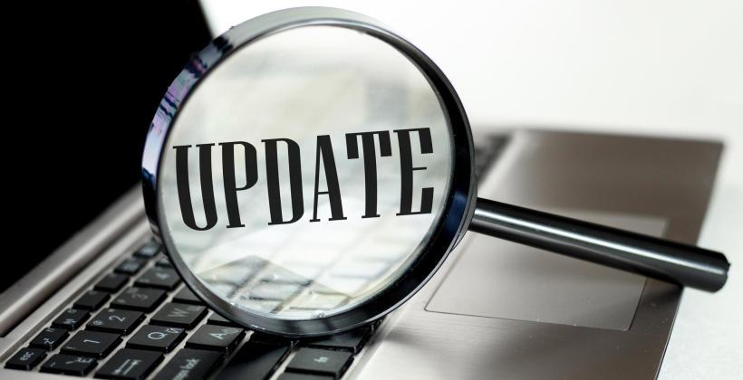 Dlaczego warto regularnie aktualizować treści na stronie internetowej i blogu firmy?