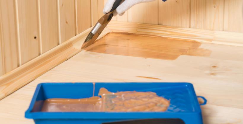 Zabezpieczenie surowego drewna – sprawdzone sposoby