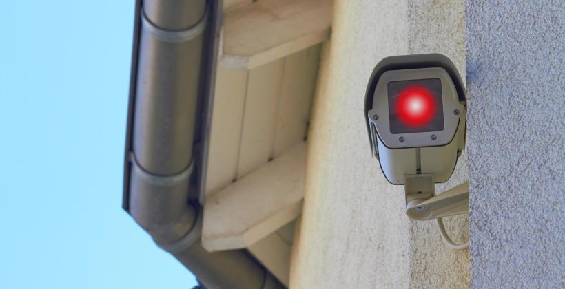 Zastosowanie fotowoltaiki w systemach alarmowych
