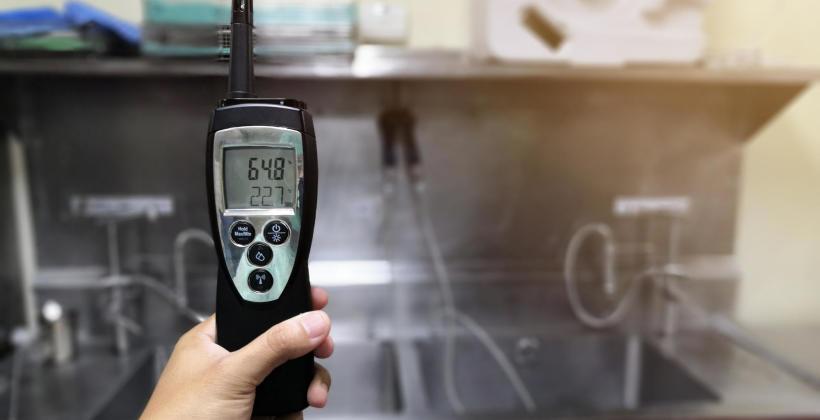 Urządzenia pomiarowe do kontroli wilgotności i temperatury powietrza