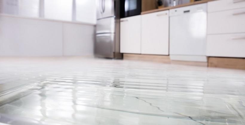 Sprzątanie i dezynfekcja po zalaniu – kilka cennych porad