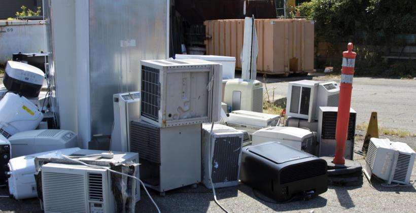 Odzyskiwanie surowców ze złomu elektronicznego i elektrycznego.
