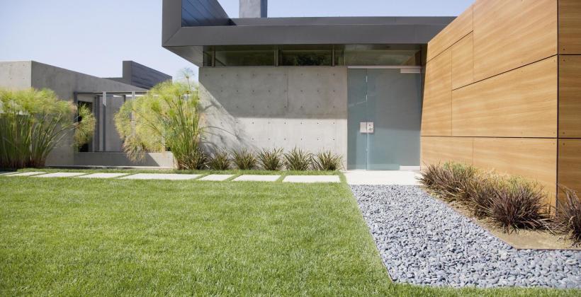 Jaki styl ogrodu wybrać: nowoczesny czy rustykalny?