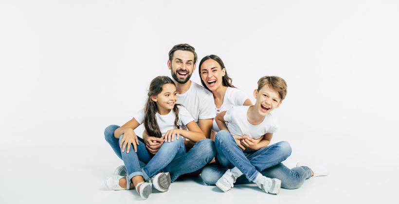 Rodzinna fotografia: co wybrać – plener czy studio?