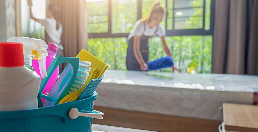Sprzątanie mieszkań przez firmę zewnętrzną
